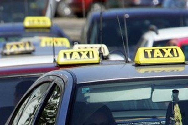 Inšpektorom taxikári nedávali bločky. Napriek prezlečeniu za turistov ich však nevozili dlhšími trasami.
