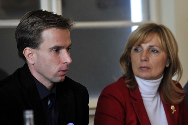 Dana Čahojová s neúspešným kandidátom na starostu Rače, Michalom Drotovánom.