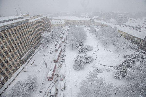 Husté sneženie v Bratislave.