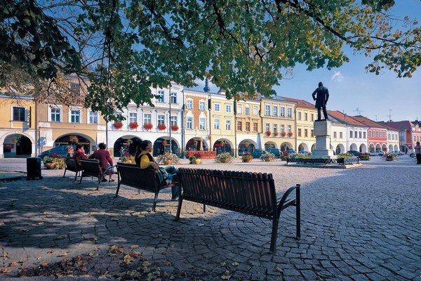 Zrekonštruované námestie v meste Litomyšl v Česku.