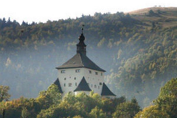 Banská Štiavnica šetrí na osvetlení najvýznamnejších dominánt.