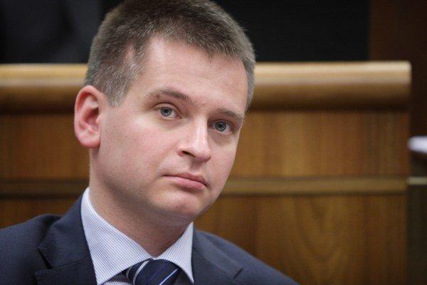 Martin Chren kandiduje v ružinovskom volebnom obvode. Trvalý pobyt zmenil len nedávno.