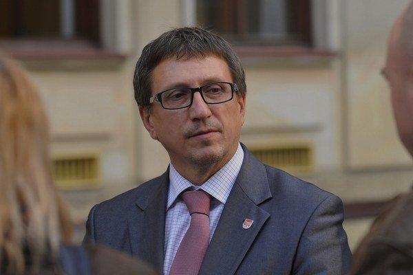 Dušan Pekár si témy na rozhovor vyberá.