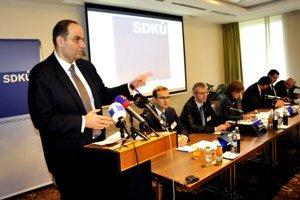 Na víkendovom rokovaní Ústrednej rady SDKÚ- DS Frešo oznámil Nesrovnalovu kandidatúru na primátora.