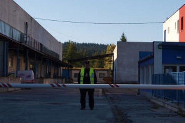 Areál stráži bezpečnostná služba.