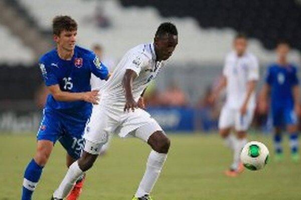 Zľava Šimon Kupec v zápase proti Hondurasu.