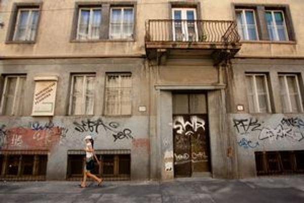 Domy, kde dostali nájomníci výpoveda, sú hlavne v centre. Na snímke Rajská ulica.