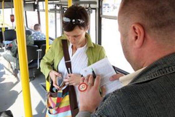 Ľudia sa najčastejšie sťažuj na revízorov, Dopravný podnik sa ich obvykle zastáva.