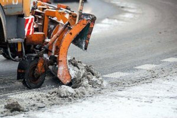 Najviac práce mali cestári najmä v hornatejších častiach mesta.