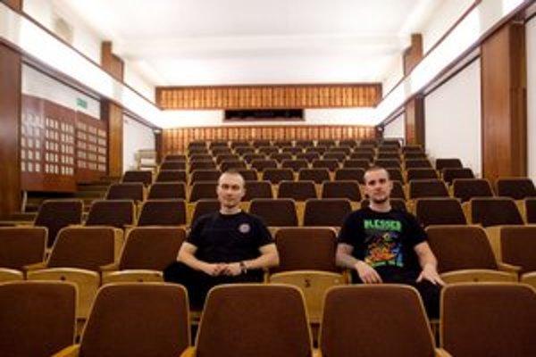 Obyvateľ Trnávky Andrej Gašpar mal nápad obnoviť Zoru, pridal sa k nemu kamarát Peter Mihálka.