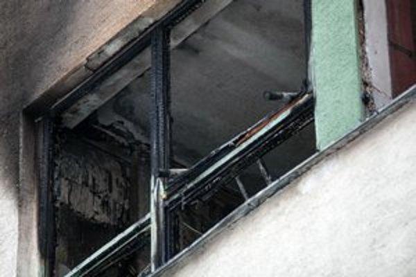 Horelo v chránenej dielni, kde vraj pracovali aj so sviečkami.