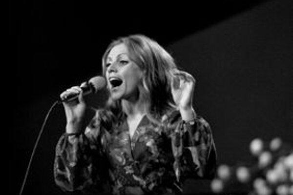Kostolányiová patrila na prelome šesťdesiatych a sedemdesiatych rokov k najpopulárnejším speváčkam.