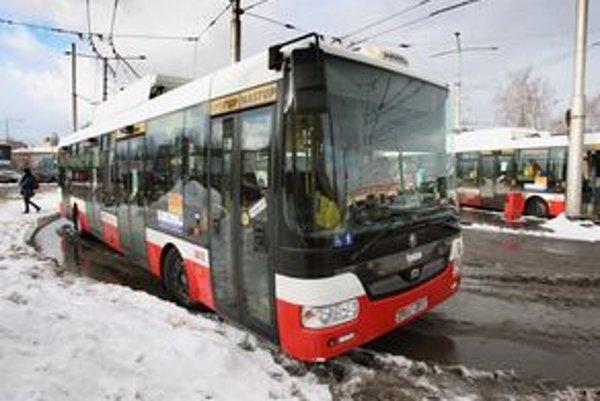 Trolejbusy od Škody a SOR jazdia aj v Žiline, Banskej Bystrici a Prešove. Všade boli jediným záujemcom v súťaži.