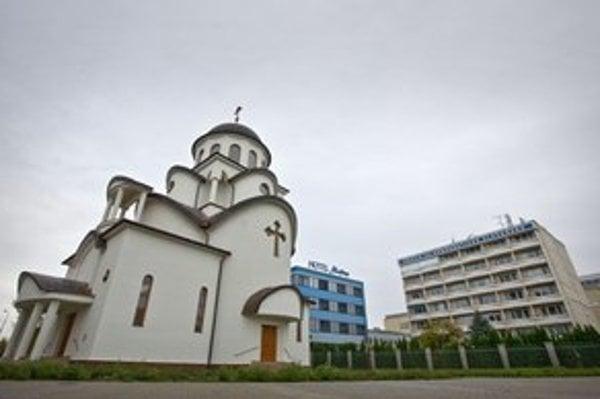 Výstavba Chrámu svätého Rastislava v Bratislave sa natiahla.