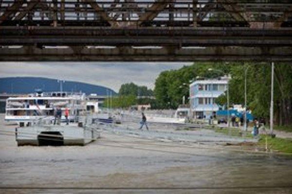 Plavby po Dunaji na čas utíchnu.