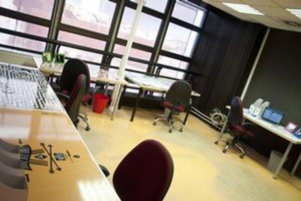 Kancelárie pre neziskovky v KC Dunaj na Námestí SNP.