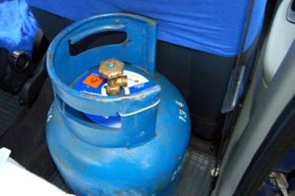 Zo skladov predajní po obciach v regióne miznú plynové fľaše.