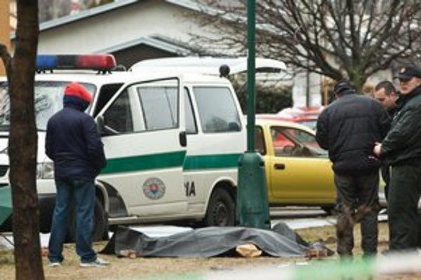 Žena zraneniam podľahla na mieste činu.