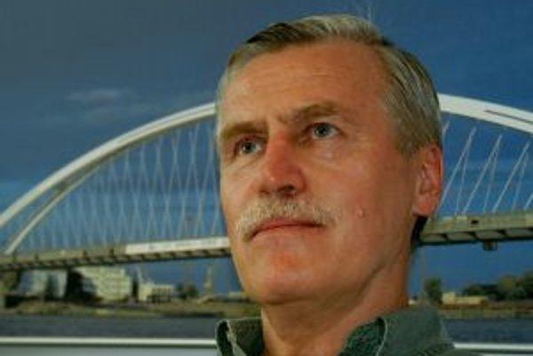 Miroslav Maťaščík je aj projektantom Mosta Apollo.