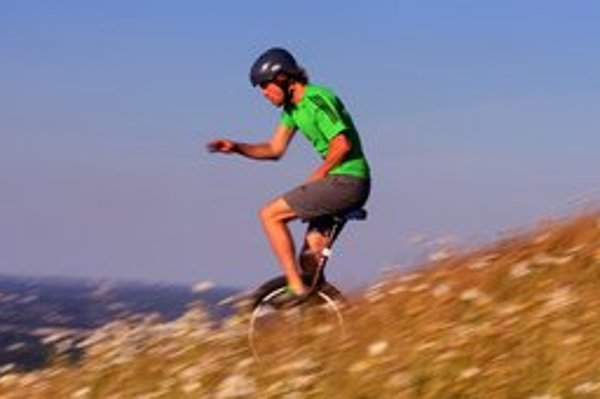 Nemec Lutz Eichholz bude rozprávať o jazdení na monocykli.