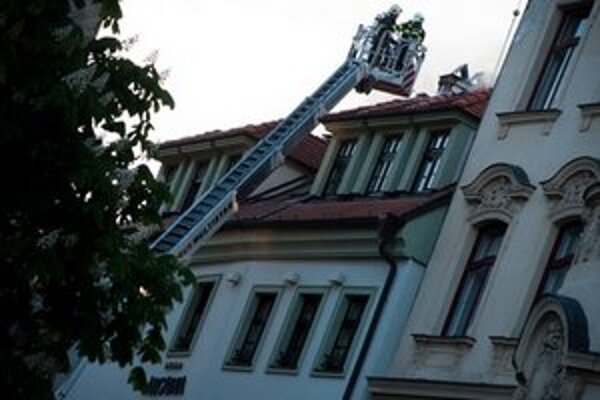 V prvom päťhviezdičkovom hoteli v Bratislave dnes vypukol požiar.