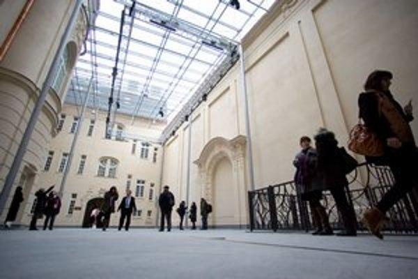 Koncerty budú po rekonštrukcii Reduty aj na nádvorí.