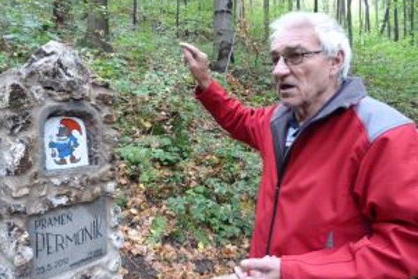 Ján Filanda pri Permoníkovi. Postavičku z baníckych legiend si zvolil najmä kvôli deťom.