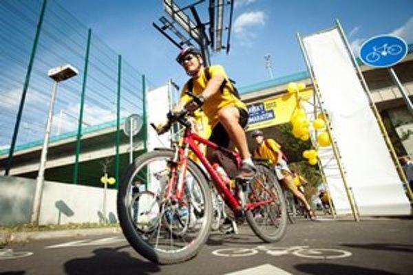Štart nultého ročníka cyklomaratónu v rámci Európskeho týždňa mobility pod mostom Lafranconi.