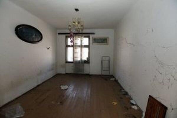 Magistrát povolil predať len tento byt pri ministerstve obrany. Náklady na rekonštrukciu totiž odhadol na dve tretiny jeho hodnoty.