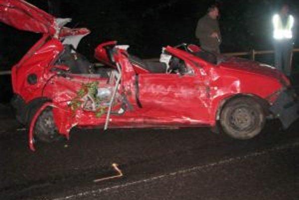 Tragická nehoda. Vo Fábii prišli o život dvaja mladí muži.