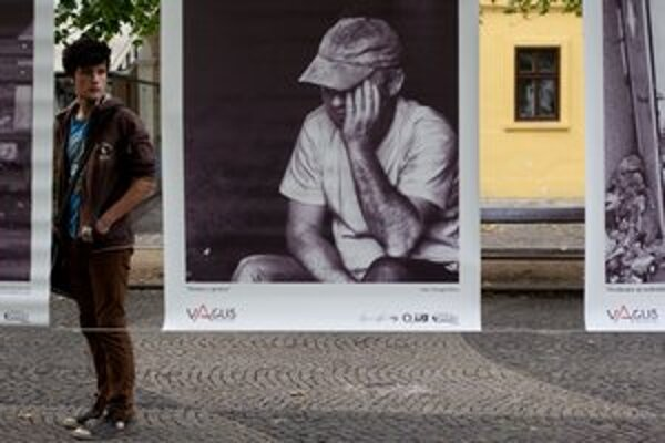 Môj domov je ulica. Výstava fotografií od Benjamina Richardsa na Hviezdoslavovom námestí.