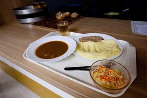 Kto bude variť školákom obedy má ukázať súťaž.