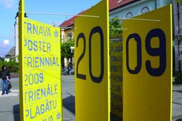 Ukážka z víťaznej práce v kategórii komunikačného dizajnu – vizuálneho štýlu podujatia Trienále plagátu Trnava od Ondreja Gavuldu.