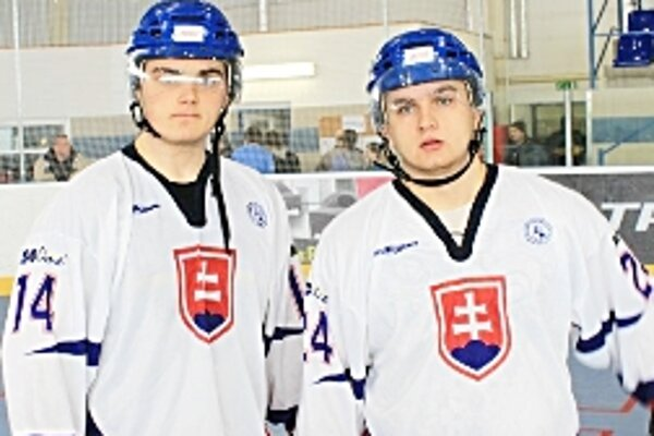 V reprezentačnom drese - Kukla (vpravo) a Gáborík (vľavo) na turnaji v Plzni.