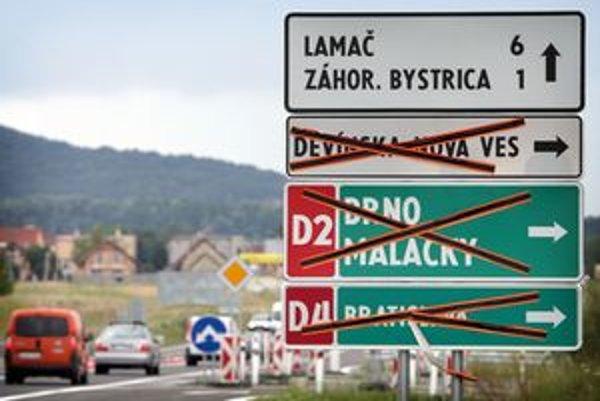 Dopravné značenie je pripravené. Popoludní dali diaľničný privádzač do užívania.