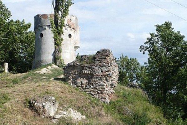 Archeologický výskum na Hradnom návrší začal už minulý rok.