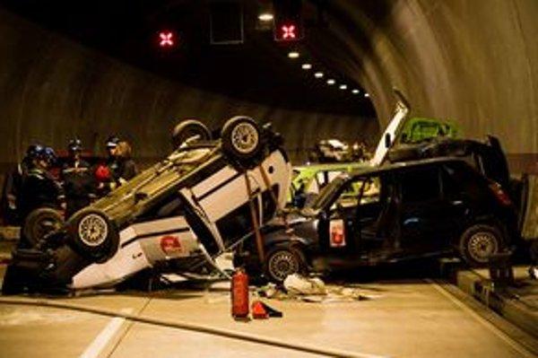 Záchranné cvičenia v tuneli káže vláda.