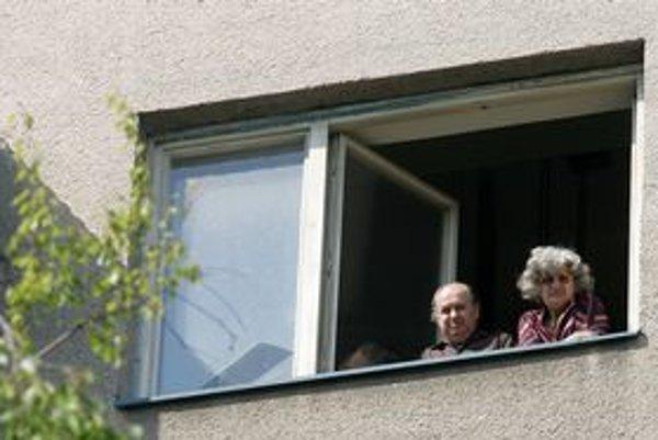 Byty starých ľudí lákajú podvodníkov.