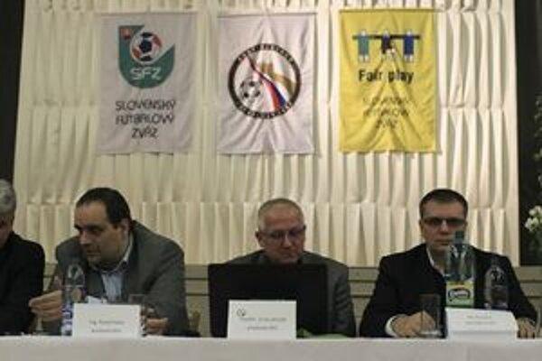 Vedenie kraja rokovalo so Slovenským futbalovým a Bratislavským futbalovým zväzom.