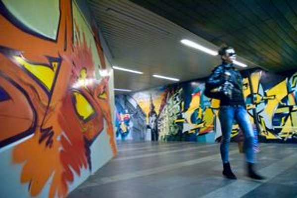 Podchod na Trnavskom pred vlaňajšími hokejovými majstrovstvami maskovali sprejeri.