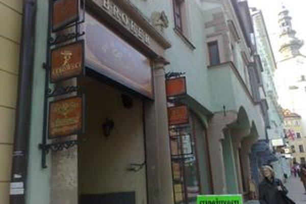 Za budovu na Michalskej ulici musia záujemcovia o kúpu zložiť zábezpeku 400-tisíc eur.