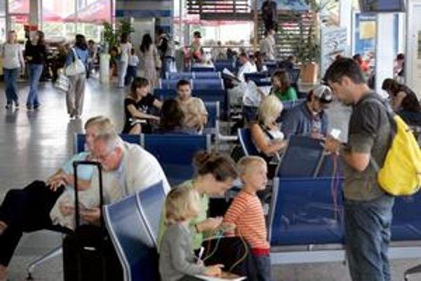 Už v lete by mohol premávať z autobusovej stanice na letisko pravidelný spoj.