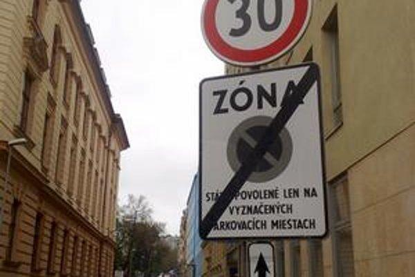 Začiatok zákazu na Zochovej zostal, koniec chýba.