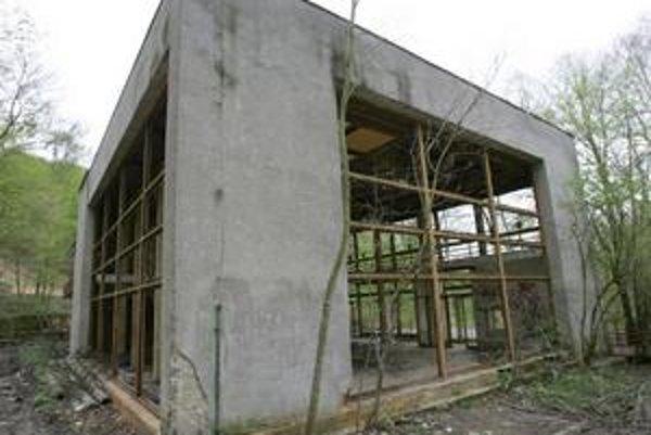 Z bývalej reštaurácie Snežienka je ruina.