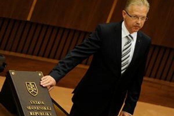 Poslanec Andrej Ďurkovský (KDH) zložil poslanecký sľub 8. júla na ustanovujúcej schôdzi Národnej rady. Do novembrových komunálnych volieb ostáva i vo funkcii primátora.