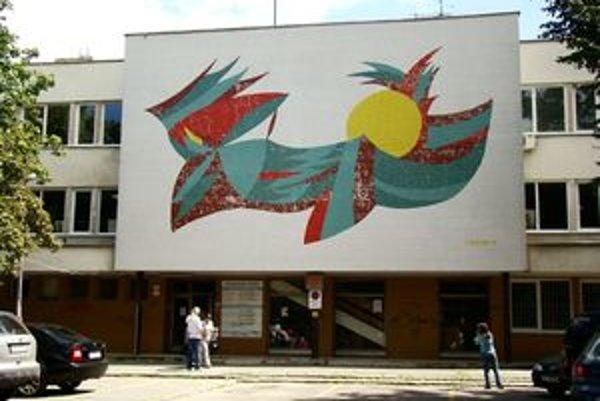 Poliklinka Senec, s.r.o žiada od mesta predĺženie prenájmu budovy seneckej polikliniky.