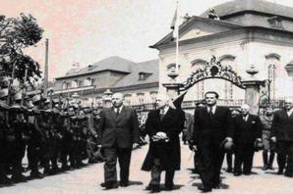 Príchod prezidenta Edvarda Beneša do Bratislavy v roku 1945.