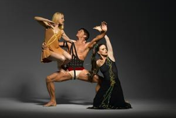 Martha Graham Dance Company vystupuje vo Viedni.