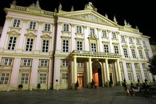 """<p style=""""text-align: left;"""">Voľby bratislavského primátora, poslancov a <a href=""""http://bratislava.sme.sk/c/5600428/registrovani-kandidati-na-starostov-v-bratislave.html"""">starostov mestských častí</a> sa uskutočnia v sobotu 27. novembra 2010. <a href=""""ht"""