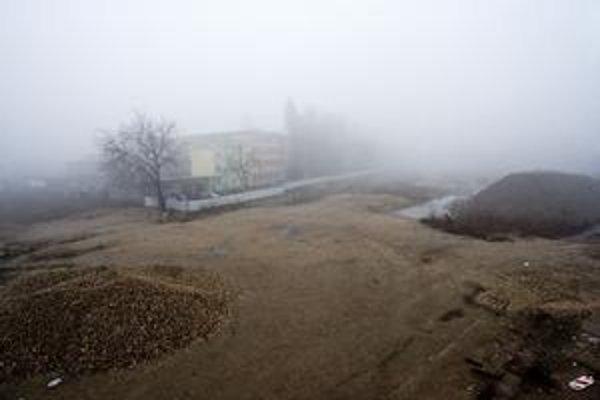 Jedným z najväčších projektov v Bratislave má byť Twin  City, ktoré má spojiť Ružinov a Staré Mesto pri Autobusovej stanici Mlynské Nivy. Pôvodne sa mal komplex otvárať v tomto roku, odložili to na rok 2015. Príčinou sú chýbajúce povolenia, povedal develo